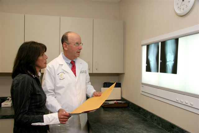 Bone and Joint Specialists Orthopedic Surgeon- Dr. William Kohen